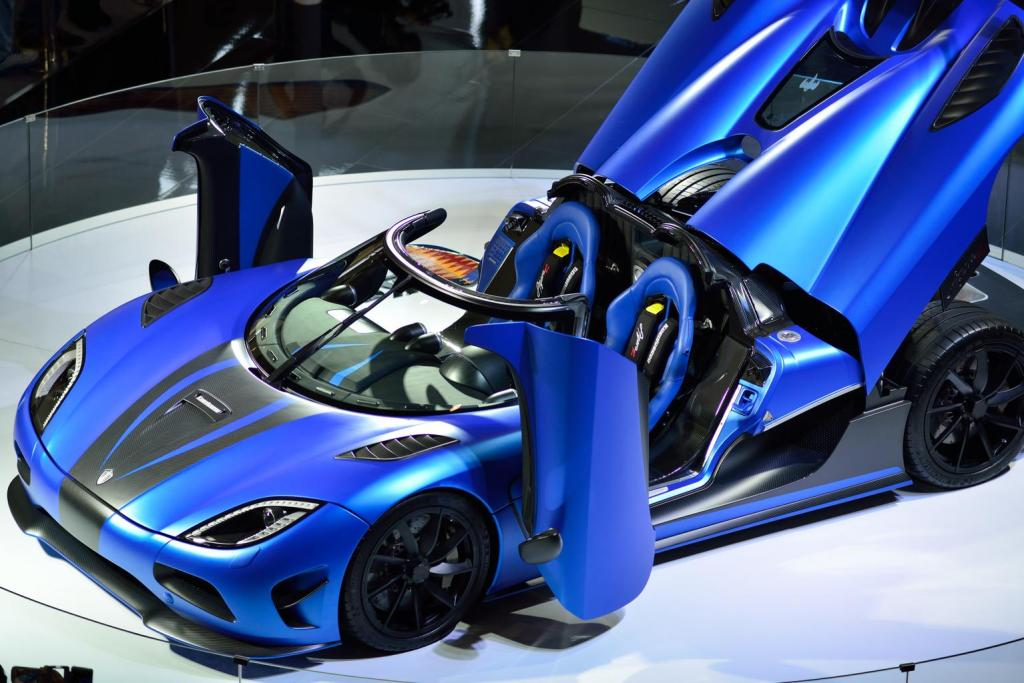 Blue Koenigsegg Wallpaper