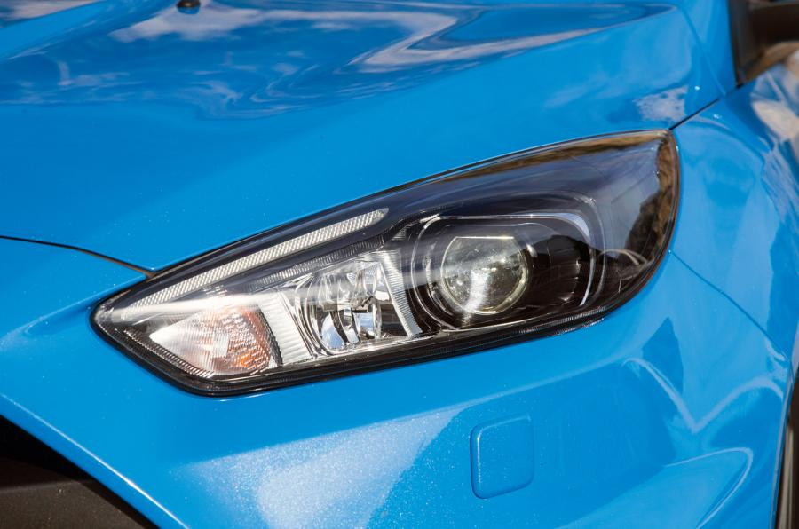 Ford Focus RS Wallpaper Headlight