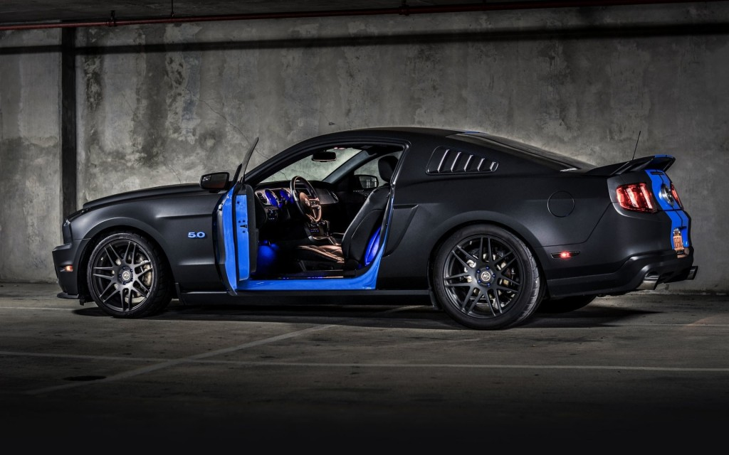 HD Image of Ford Mustang Side