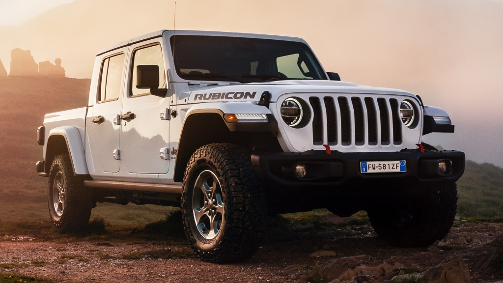 HD Image of White Jeep Gladiator